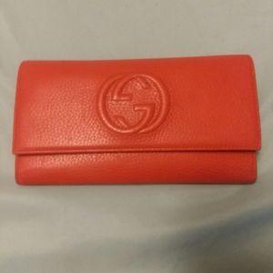 Woman gucci wallet